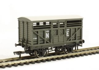 Bachmann 37-707 12T Cattle Wagon NE Grey
